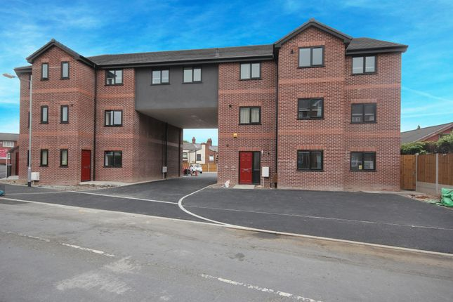 Thumbnail Flat to rent in Bewsey Street, Toll Barr, St. Helens