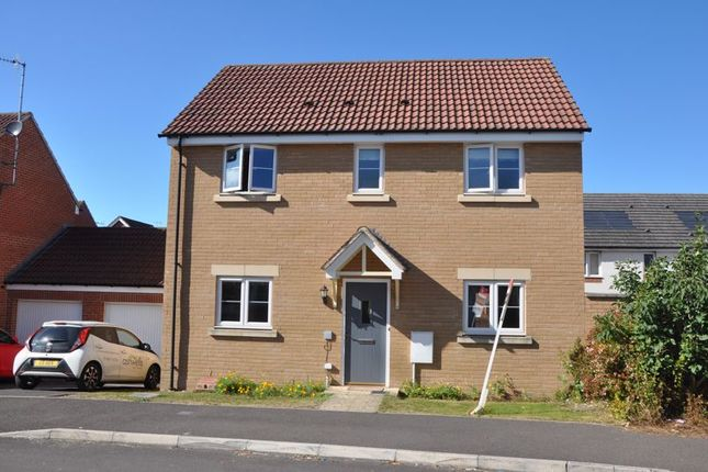3 bed detached house to rent in Castle Well Drive, Old Sarum, Salisbury SP4