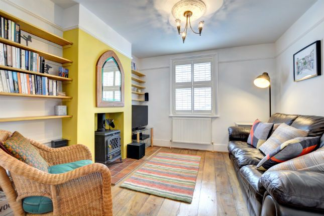 Thumbnail Terraced house to rent in Kemp Street, Brighton