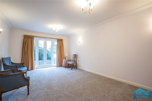 Picture No. 07 of Burberry Court, 15 Etchingham Park Road, Finchley, London N3