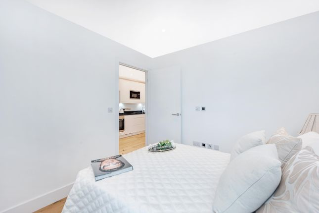 Thumbnail Flat for sale in 2-4 South End, Croydon