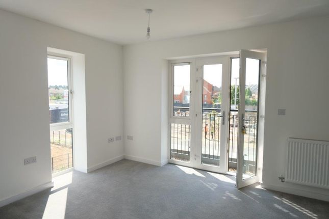2 bed flat for sale in Portman Road, Reading RG30