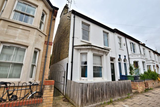 Thumbnail Terraced house to rent in Devonshire Road, Cambridge