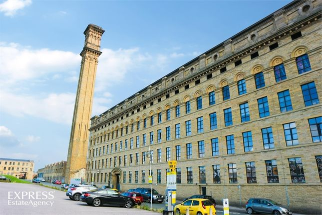 Thumbnail Flat for sale in Lilycroft Road, Bradford, West Yorkshire