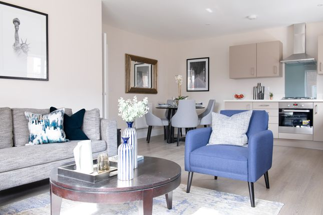 Thumbnail Flat for sale in Flat 1, 6 Pavilion Park, East Molesey, Surrey