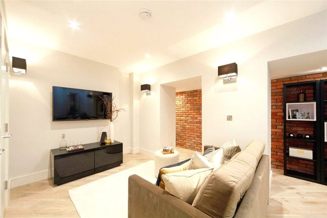 3 bed flat for sale in Flatiron Bulding, Fulham, London