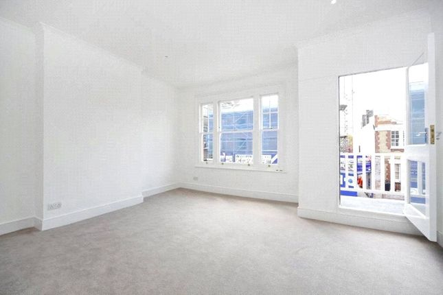 Thumbnail Maisonette to rent in Peterborough Road, Parsons Green/Fulham, London