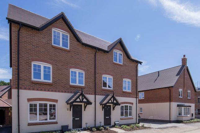 Thumbnail Semi-detached house for sale in Kenilworth Road, Balsall Common, Coventry