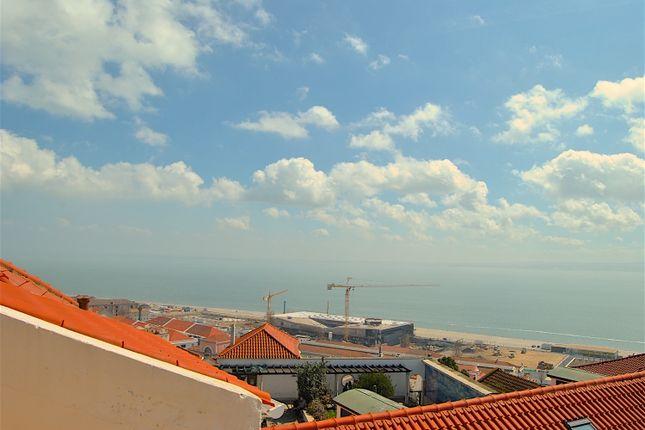 Thumbnail Triplex for sale in Castelo, Misericórdia, Lisbon City, Lisbon Province, Portugal
