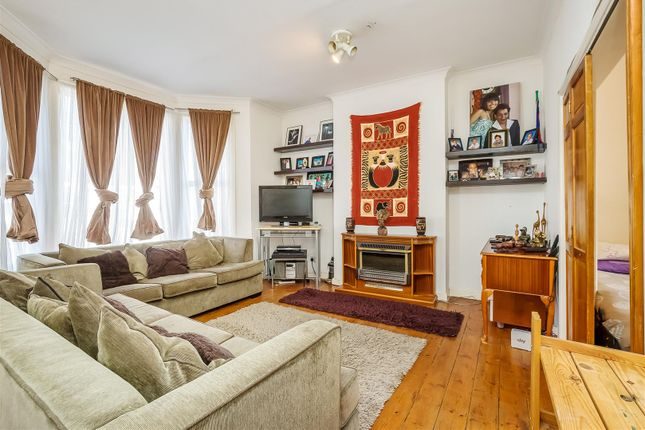 2 bed flat for sale in Burrows Road, Kensal Rise, London ...
