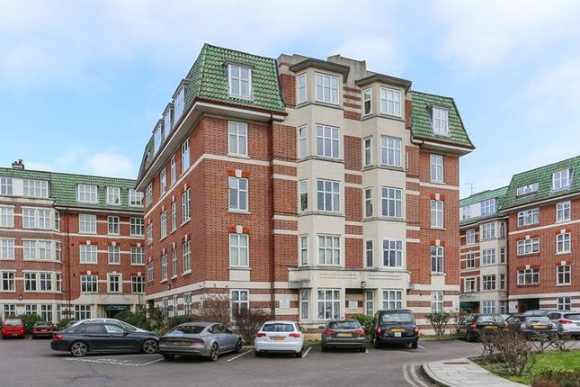 Thumbnail Flat to rent in Haven Green Court, Haven Green, Ealing, London
