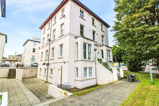 2 bed flat for sale in Lansdowne Square, Northfleet, Gravesend DA11