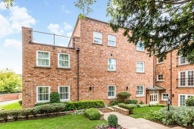 Thumbnail Flat to rent in Warwick Road, Stratford-Upon-Avon