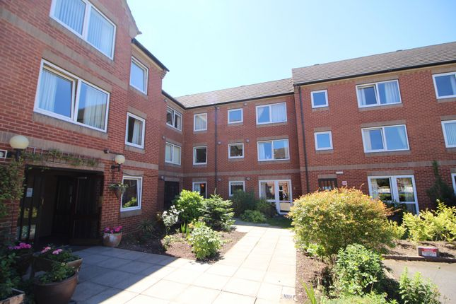 Thumbnail Flat for sale in Homesmith House, Evesham, Worcestershire