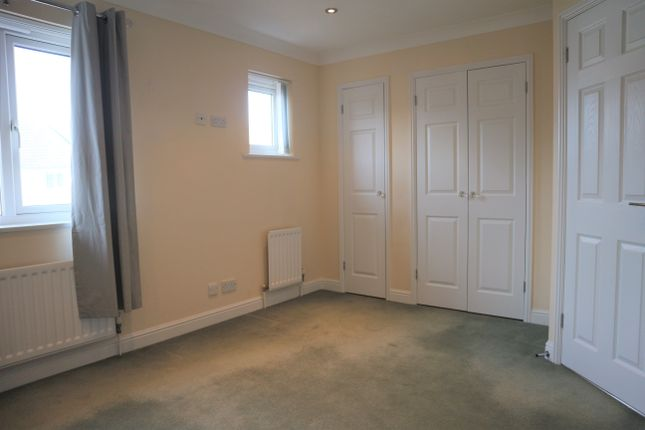 4 bed town house to rent in Bermuda Place, Eastbourne BN23
