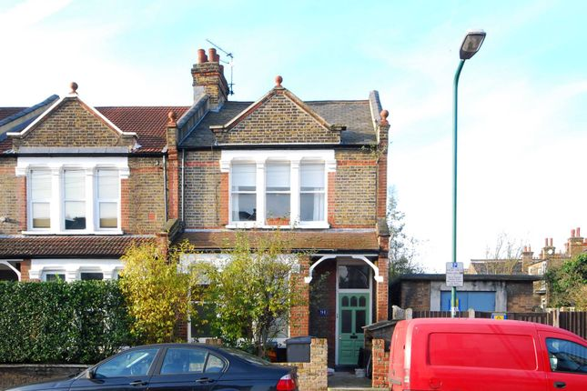 2 bed flat to rent in College Road, Kensal Rise