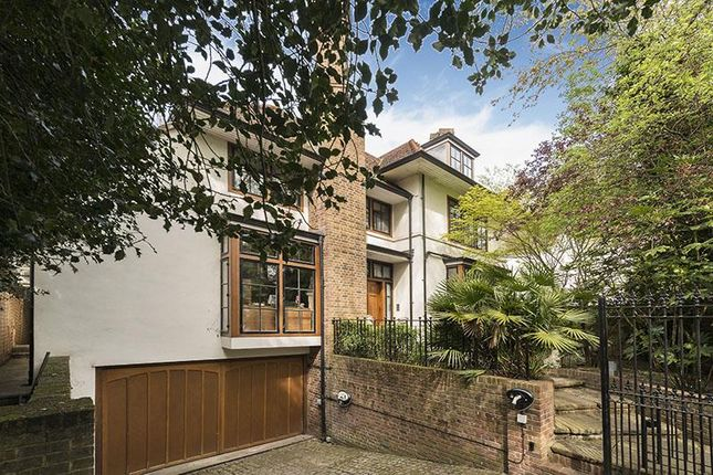 Thumbnail Property for sale in Fitzroy Park, Highgate