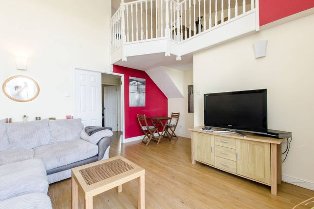 Thumbnail Flat to rent in Felixstowe Court, Gallions Reach, London