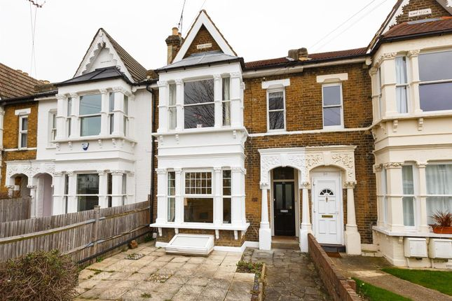 Thumbnail Flat for sale in Lytton Road, London