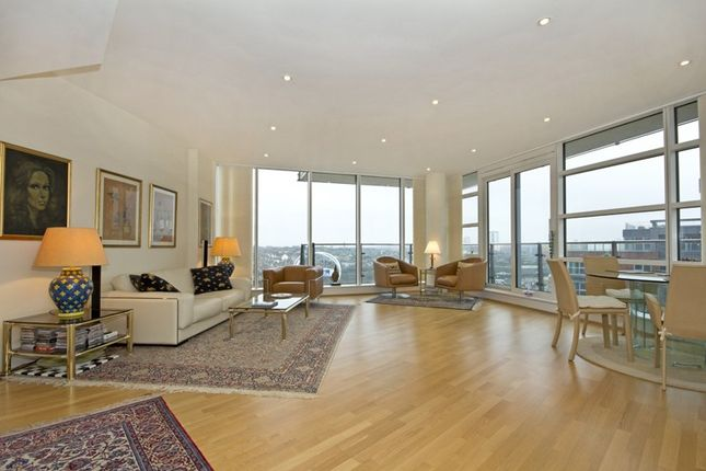 Thumbnail Flat for sale in Baltimore House, Battersea Reach
