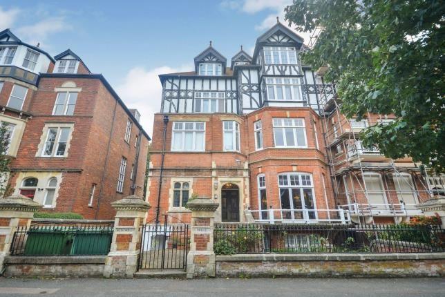 Thumbnail Flat for sale in Earls Avenue, Folkestone, Kent
