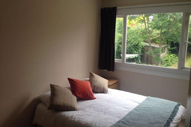 Thumbnail Room to rent in Room 3, Hanwood Close, Woodley