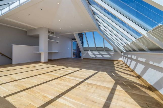 Thumbnail Flat for sale in Logan Place, London