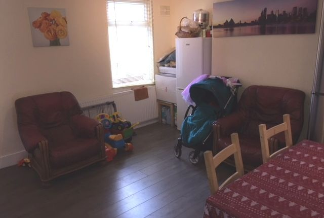 Thumbnail Terraced house to rent in Station Road, Hounslow