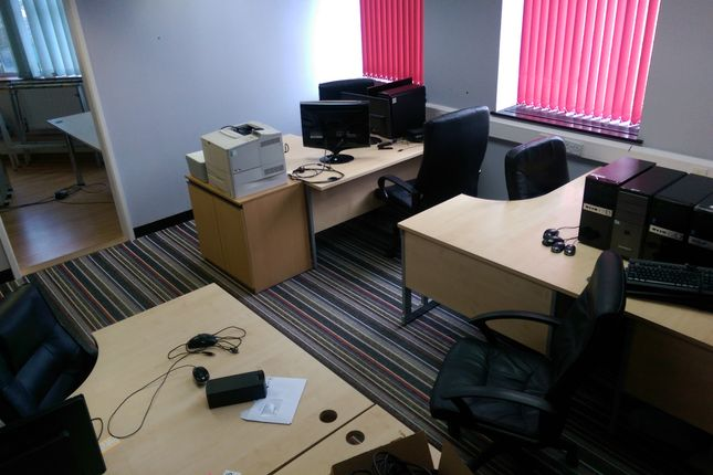 Serviced office to let in Sutton Street, City Centre