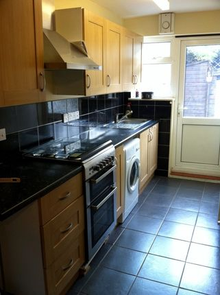Thumbnail Terraced house to rent in Upminster Road South, Rainham