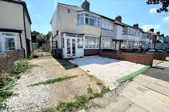 Thumbnail Terraced house to rent in Oaklands Avenue, London