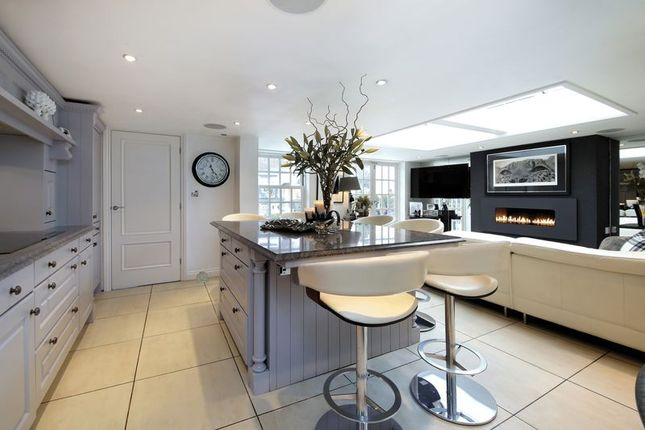 Thumbnail End terrace house for sale in High Street, Cookham, Maidenhead