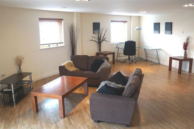 Thumbnail Flat to rent in Riverside Industrial Park, Rapier Street, Ipswich