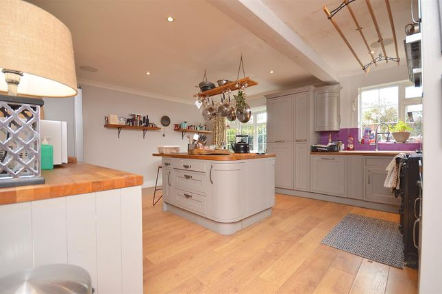 Kitchen of High Street, Sturton By Stow, Lincoln LN1