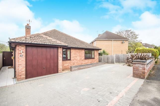 Thumbnail Bungalow for sale in Crawford Close, Leamington Spa, Warwickshire, England