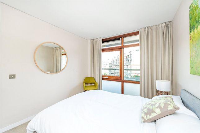 Picture No. 27 of Defoe House, Barbican, London EC2Y