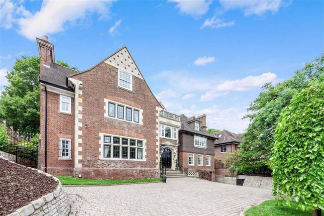 Thumbnail Property to rent in Courtenay Avenue, Highgate, London