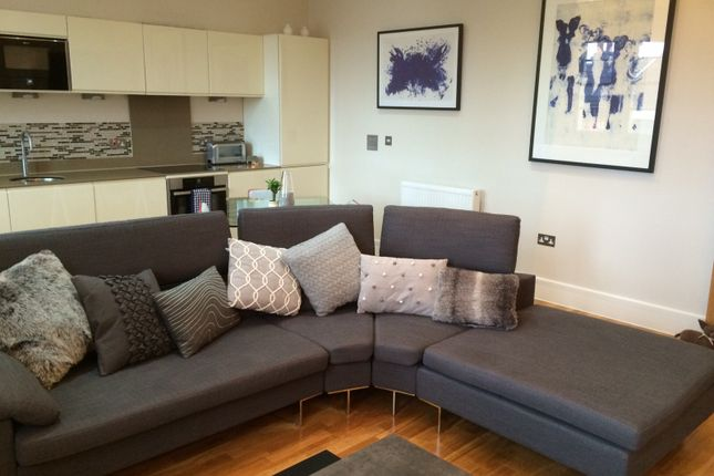 Thumbnail Flat to rent in East Street, Bromley