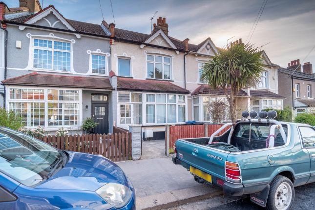 Thumbnail Flat to rent in Beauchamp Road, London