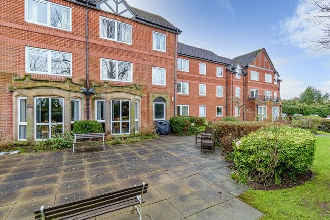 1 bed property for sale in Nailers Court, Ednall Lane, Bromsgrove B60