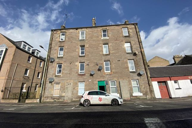 2 bed flat to rent in South William Street, Perth PH2