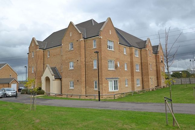 Thumbnail Flat to rent in Samuel Drive, Kemsley, Sittingbourne
