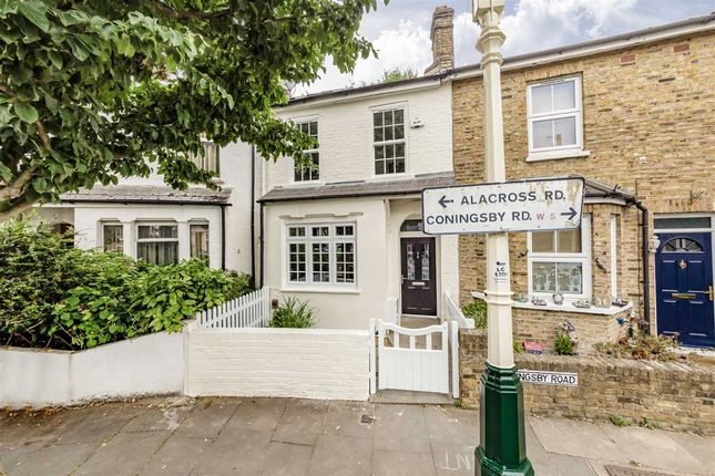 Thumbnail Property to rent in Alacross Road, London