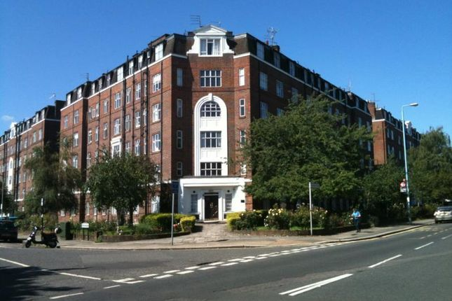 Thumbnail Flat for sale in Beaumont Court, Sutton Lane North, Chiswick