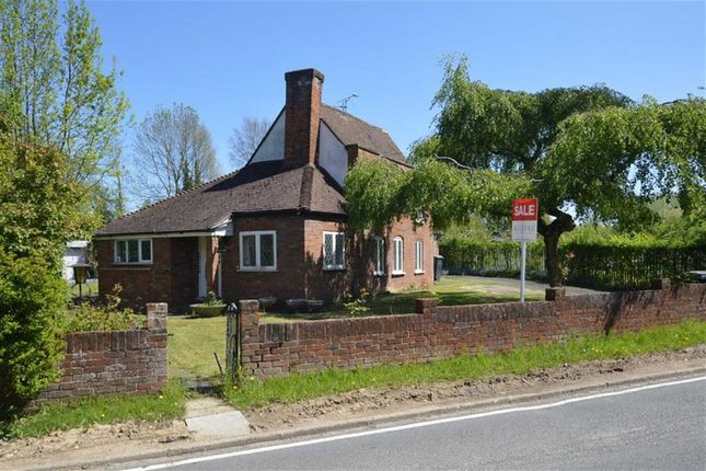 Thumbnail Detached house for sale in Woodside, Thornwood, Epping