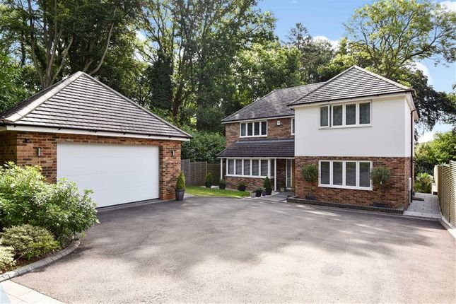 Thumbnail Detached house for sale in South Park Avenue, Chorleywood, Rickmansworth