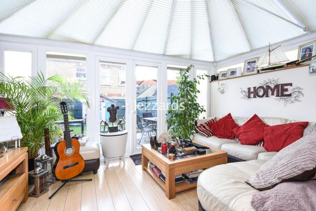 5 bed property for sale in Draper Close, Isleworth