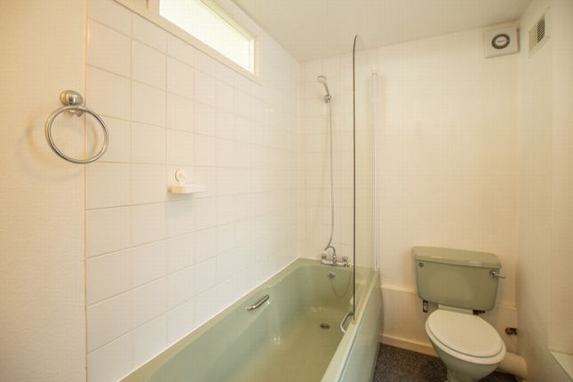 Flat 1 Bathroom of South Street, Deal CT14