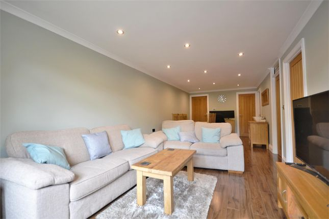 Thumbnail Flat for sale in Bryn Beudy, Stepaside, Narberth