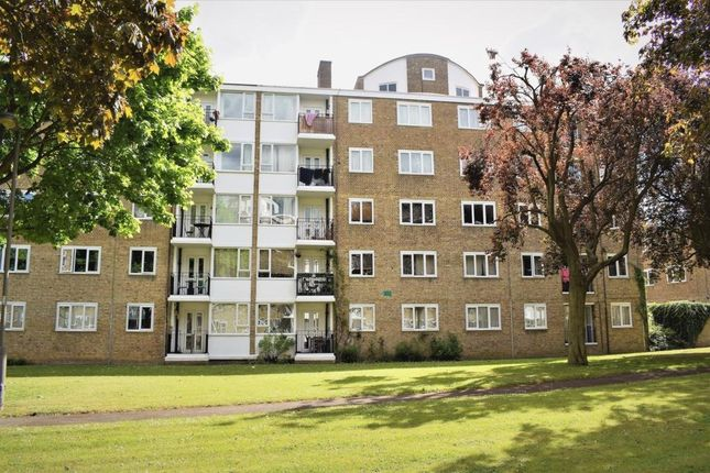 3 bed flat for sale in Innes Gardens, Putney